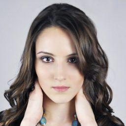 visage feminin parfait perfection beauté